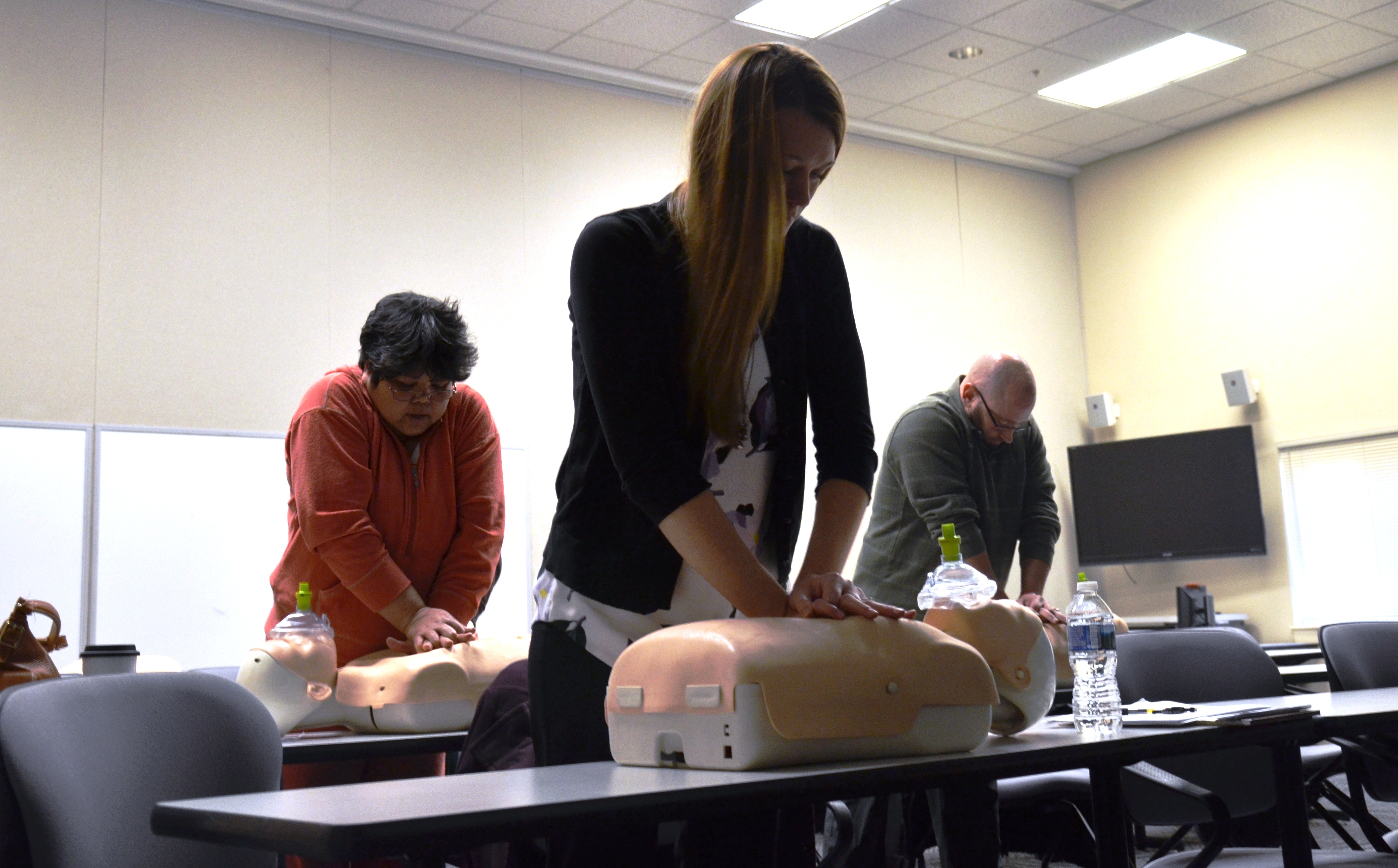 Taking initiative to save a life apg news apg employee ashley foots practices cpr at a recent class given by the apg fire department at the maryland fire and rescue institute on apg south edgewood xflitez Gallery